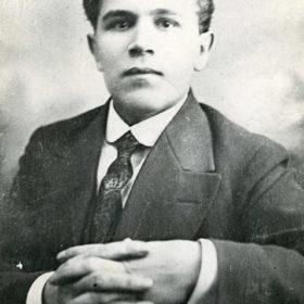 К.Тинчурин